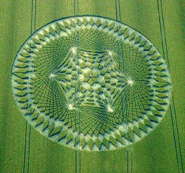Desenhos em campos de cereais